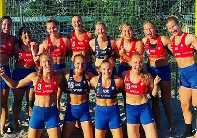 A seleção da Noruega jogou copetição de shorts (Foto: Reproudção/Instagram)