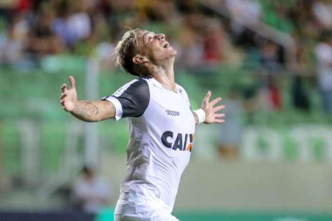 No Brasil, Roger Guedes defendeu Criciúma, Palmeras e Atlético-MG (Foto: Bruno Cantini/Atlético)