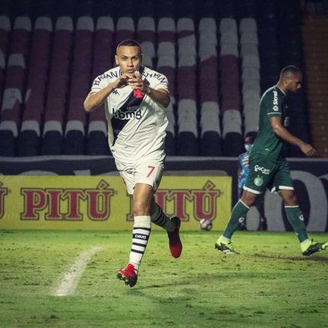 Léo Jabá comemora gol diante do Guarani em São Januário (Vitor Brügger/Vasco)
