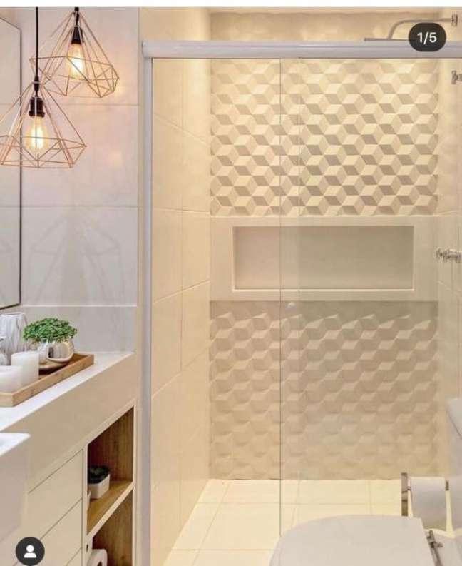 65. Nicho de embutir para banheiro com azulejo 3D branco – Foto Pinterest