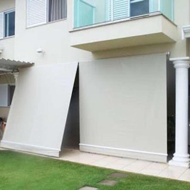 4. Toldo cortina retrátil para varanda – Foto Decaflex Cortinas PVC