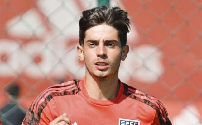 Meia Pedrinho já treinou com o elenco profissional nesta temporada (Foto: Divulgação/São Paulo)