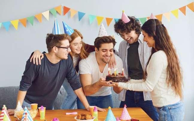 Foque no autoconhecimento com base na da data em que você nasceu - Shutterstock