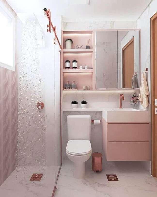 70. Modelo de armário para banheiro pequeno decorado em branco e rosa pastel – Foto Casa Listy