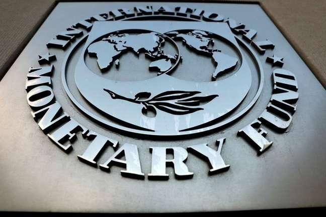 Logotipo do Fundo Monetário Internacional (FMI), em Washington, Estados Unidos. 4 de setembro de 2018. REUTERS/Yuri Gripas