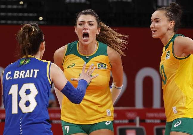 Rosamaria comemora ponto do Brasil