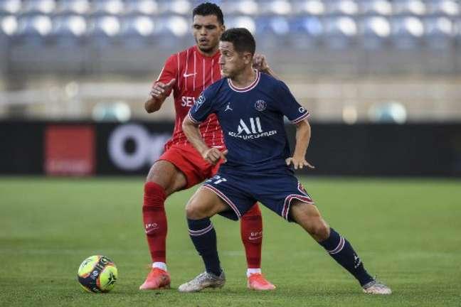 Sevilla e PSG ficaram no empate (Foto: PATRICIA DE MELO MOREIRA / AFP)