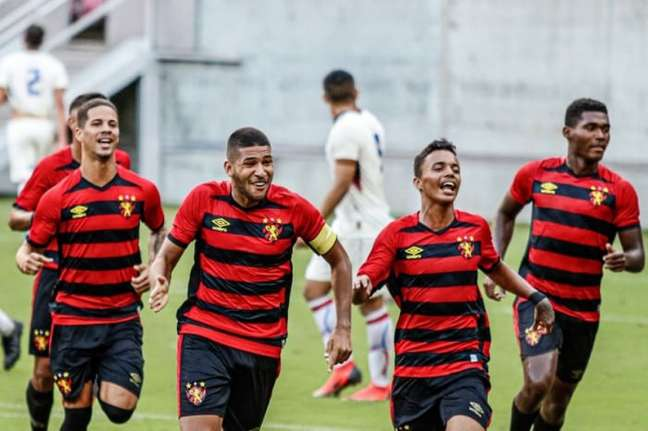 Renzo (capitão) fez um dos gols do Rubro-Negro (Wilson Castro/Divulgação/Sport)