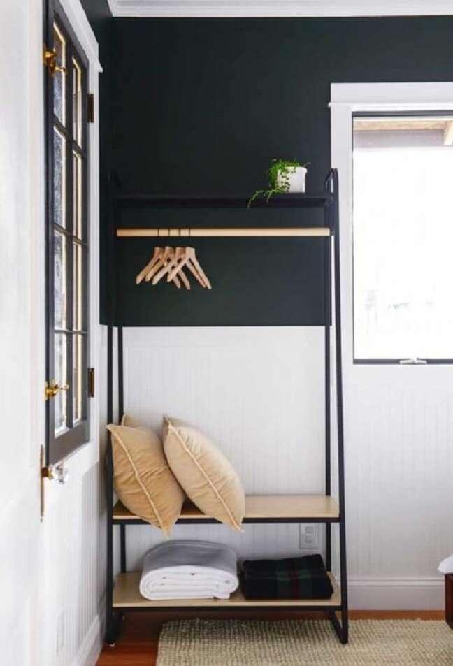 29. Arara de madeira para decoração com acabamento metálico. Fonte: Pinterest