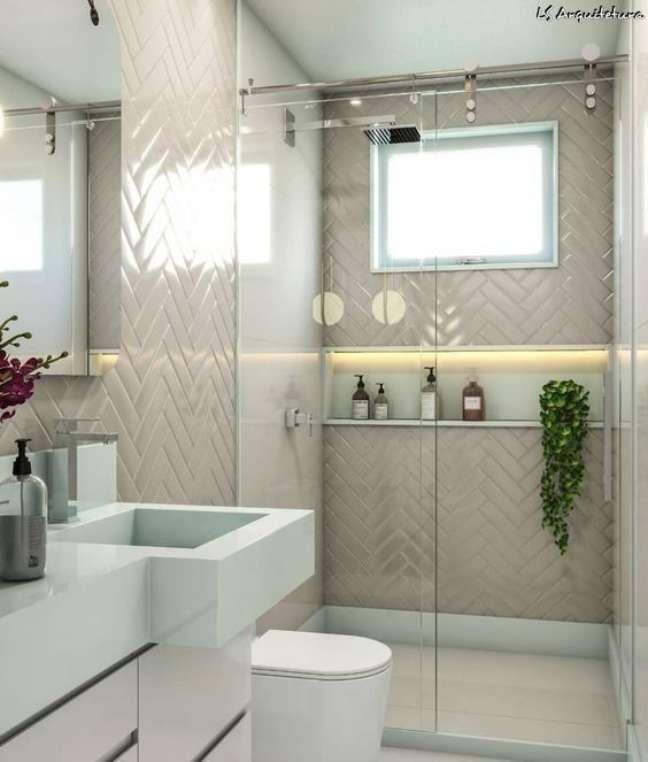 63. Nicho de embutir para banheiro bege e branco – Foto Pinterest