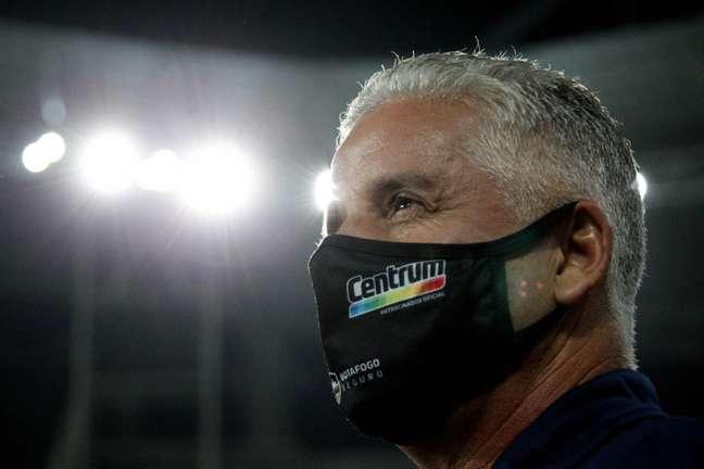 Luís Fernando assumiu o lugar de Enderson Moreira, que estava suspenso (Foto: Vítor Silva/Botafogo)