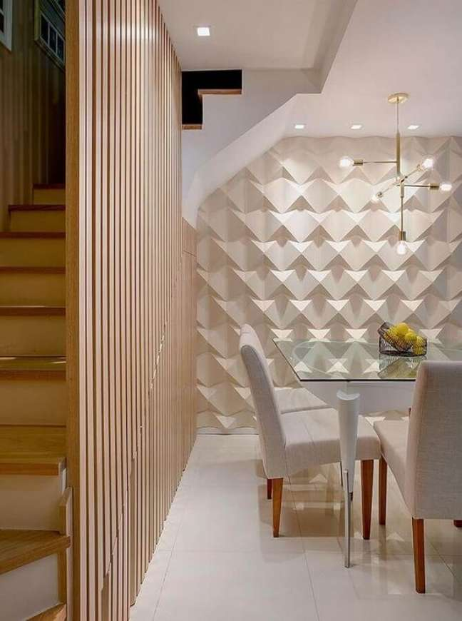 6. Sala de jantar clássica com parede de porcelanato 3D branca – Foto Revista Vd