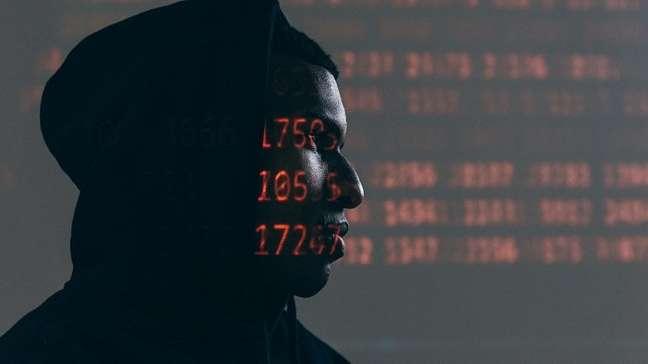 Spywares são utilizados até em relacionamentos abusivos