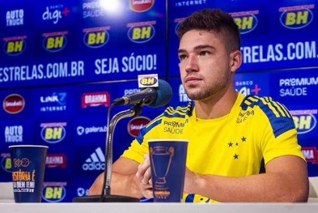 Bissoli não tem tido chances com Mozart Santos e deve voltar para o Furacão-(Gustavo Aieixo/Cruzeiro)