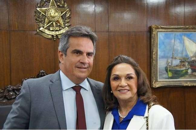 O ministro Ciro Nogueira com a mãe, Eliane Nogueira.