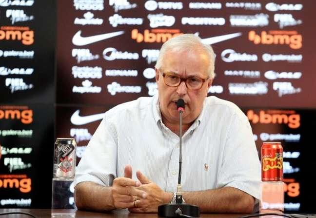 Roberto de Andrade admitiu o interesse do Timão em Roger Guedes (Foto: Rodrigo Coca/Ag. Corinthians)