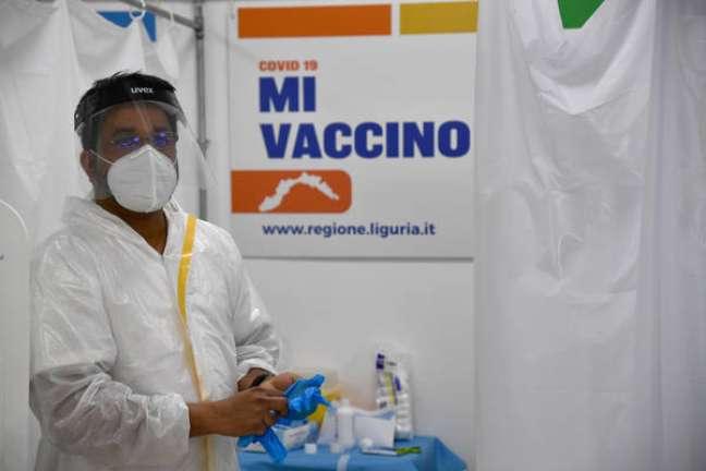 Campanha de vacinação noturna em Gênova