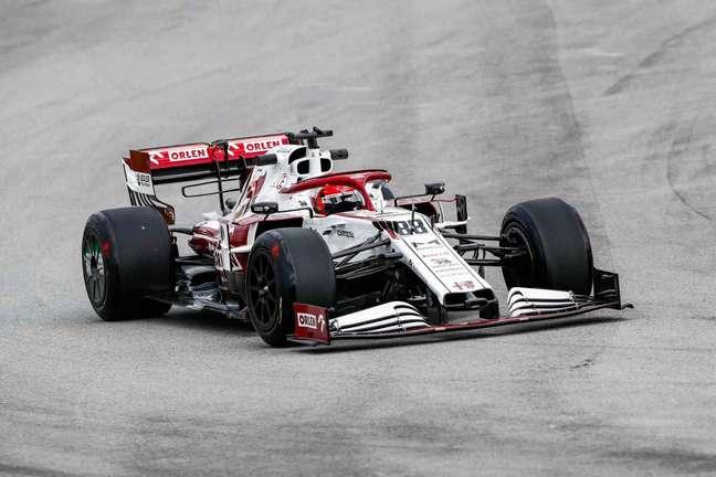 Robert Kubica andou no TL1 em Barcelona e voltou à pista para andar com os pneus de 18″