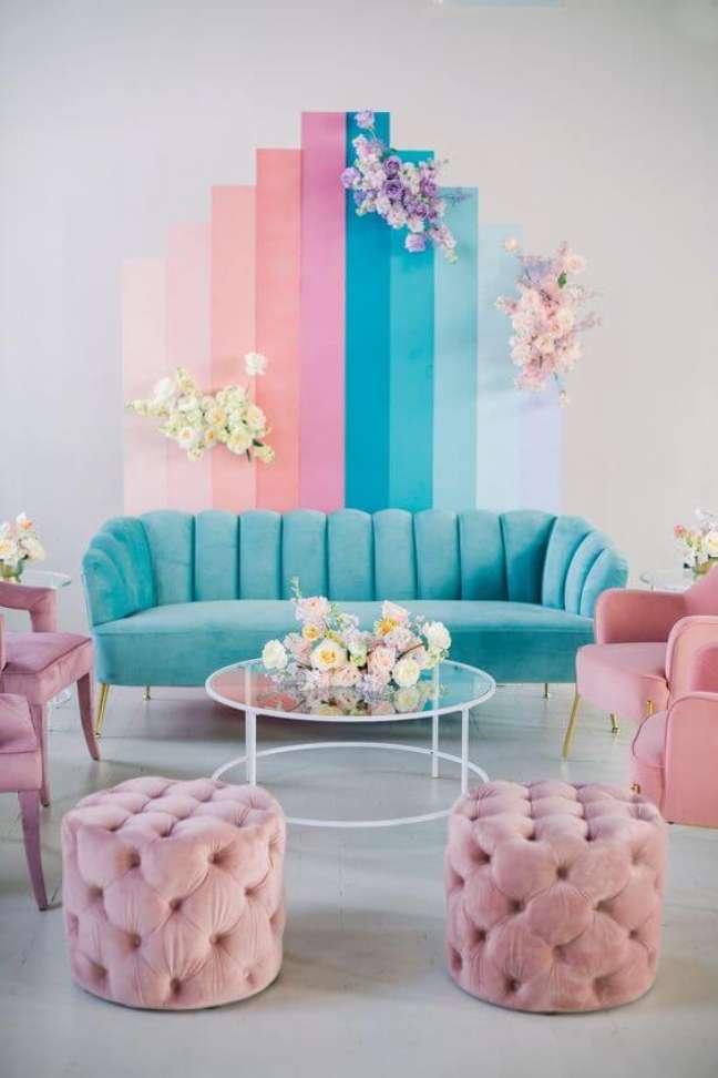1. Parede de sala decorada em tons de azul e rosa para uma decoração delicada e feminina – Foto wedding chicks