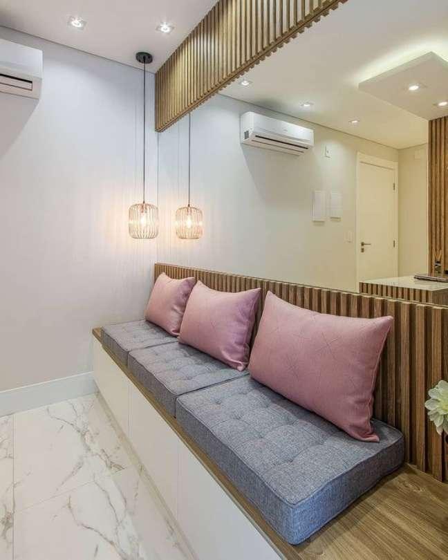 40. Sala de espera com almofadas confortáveis – Foto Mais Trasso
