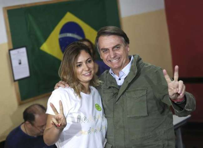 Bolsonaro homenageou esposa e aliados do governo