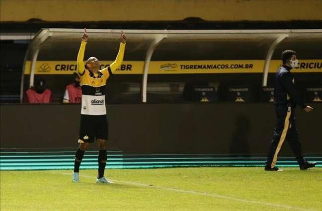 Hygor abriu a contagem para o Tigre no interior de SC (Divulgação/Copa do Brasil)
