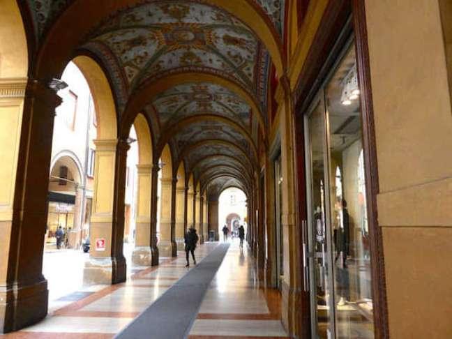 Pórticos de Bolonha se estendem por quase 40 km apenas no centro histórico da cidade