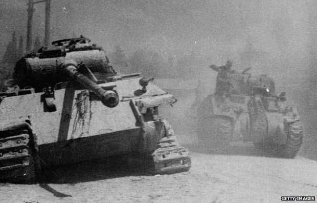 Registro histórico de um tanque alemão Panther abandonado na Itália em 1944