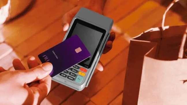 Nubank Ultravioleta na maquininha de cartão
