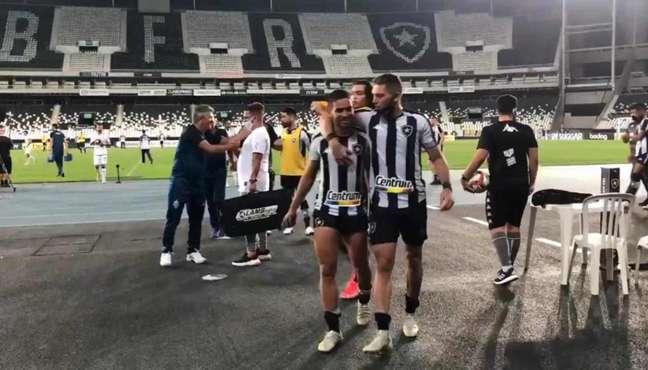 Rafael Navarro e Marco Antônio foram os destaques da vitória do Botafogo (Foto: Reprodução/Botafogo TV)