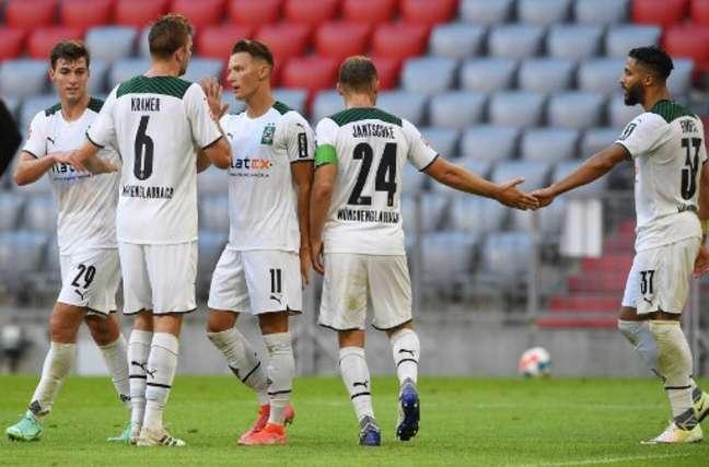 Gladbach bateu o Bayern (Foto: CHRISTOF STACHE / AFP)