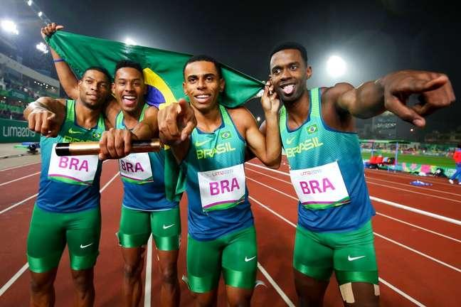 Equipe brasileira do Revezamento 4x100m Wagner Carmo CBAt