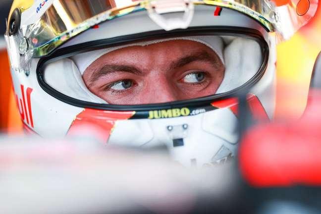 Max Verstappen conversou com Lewis Hamilton