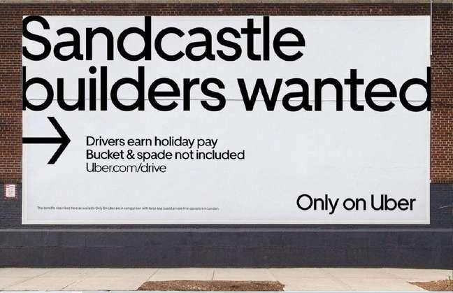 'Procura-se construtores de castelo de areia', diz outdoor da Uber espalhado por Londres
