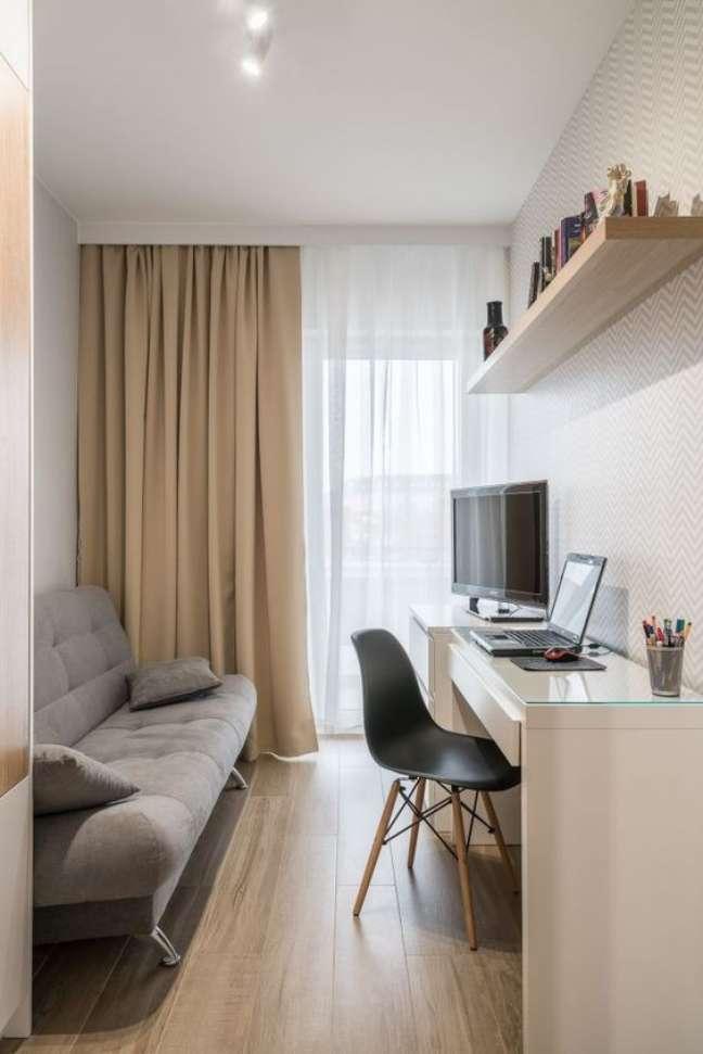 38. Home office na sala de estar pequena com mesa de escrivaninha branca – Foto Povestea Casei
