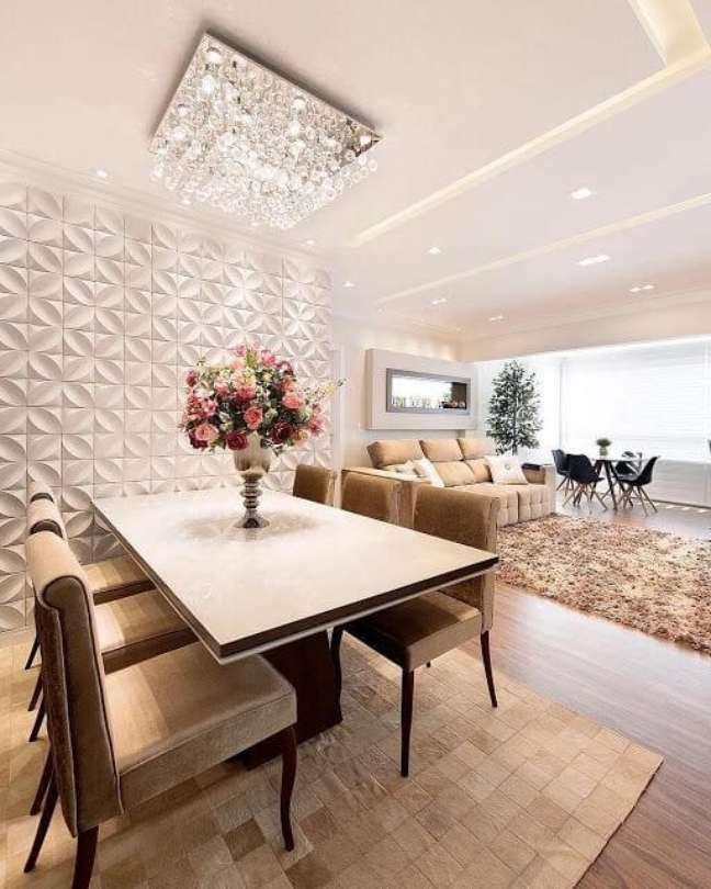 9. Lustre quadrado de cristal para sala de estar com porcelanato 3D – Foto Pinterest
