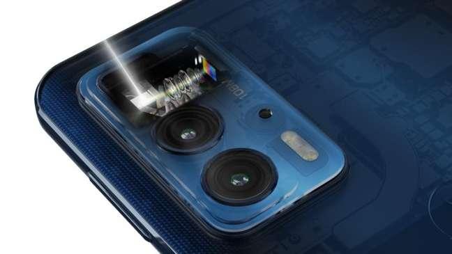 Motorola Edge 20 Pro tem câmera periscópio