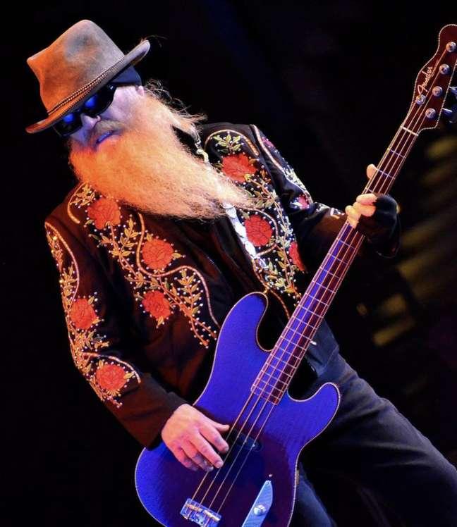 O baixista Dusty Hill, doZZ Top, que morreu nesta quarta-feira.