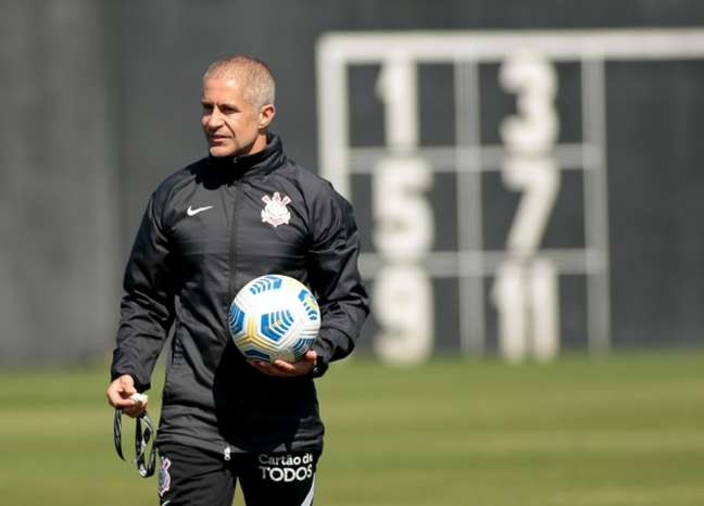 Sylvinho falou da preparação dos reforços antes da estreia pelo Corinthians (Foto: Rodrigo Coca/Ag. Corinthians)