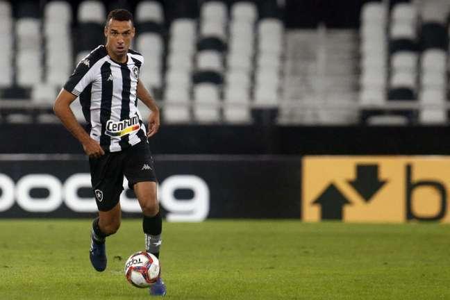 Gilvan em ação pelo Botafogo (Foto: Vítor Silva/BFR)