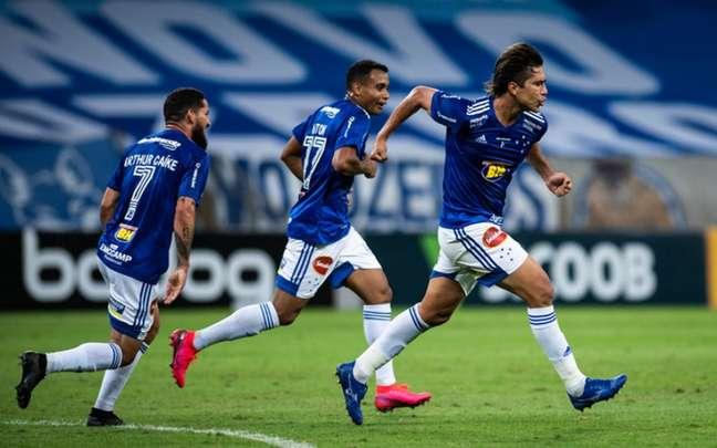 Moreno tem sido alvo do interesse do Colo Colo, do Chile, mas diz que prefere seguir na Raposa-(Foto: Bruno Haddad/Cruzeiro)