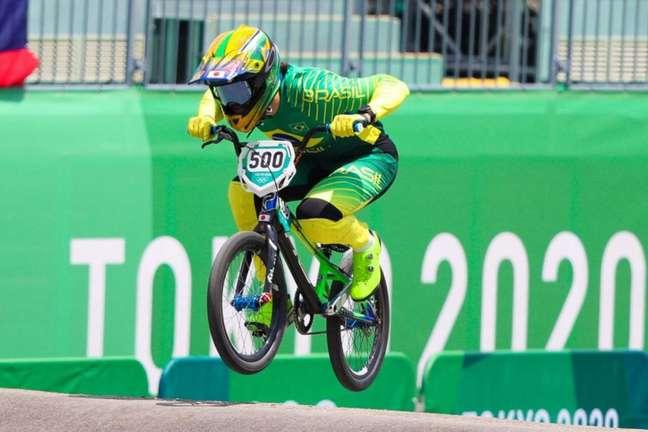 Renato Rezende está nas semifinais do ciclismo BMX (Foto: Wander Roberto / COB)