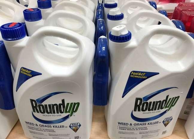 Embalagens do Roundup para venda; produto tem gerado diversas disputas judiciais para a Bayer REUTERS/Mike Blake