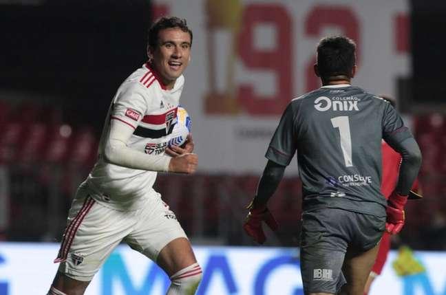 Pablo afirmou que está focado no São Paulo e negou uma saída (Foto: Rubens Chiri / saopaulofc.net)
