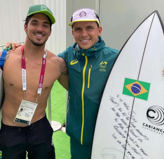 Gabriel Medina e Julian Wilson após os Jogos Olímpicos de Tóquio (Foto: Reprodução/Instagram)