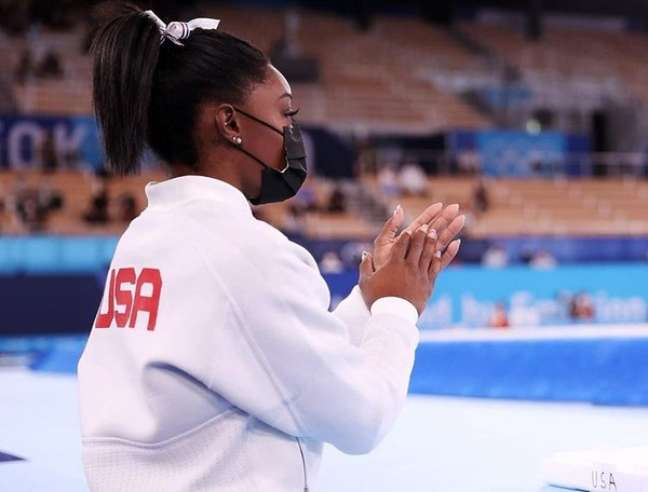 Na arquibancada, a americana fez questão de aplaudir Rebeca.