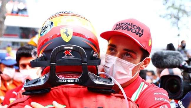 Charles Leclerc tem sofrido contra companheiros de equipe na Hungria