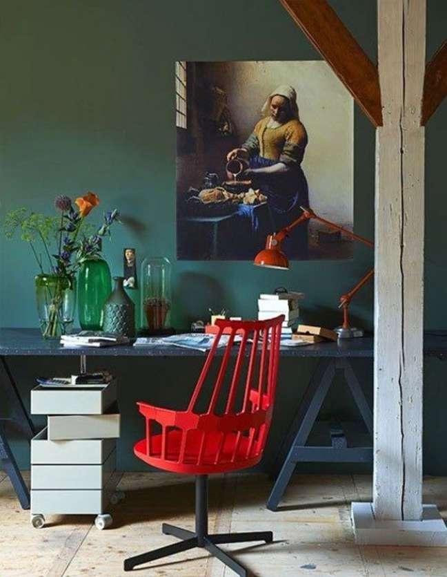 10. Cadeira vermelha para escritório moderno – Foto Pinterest
