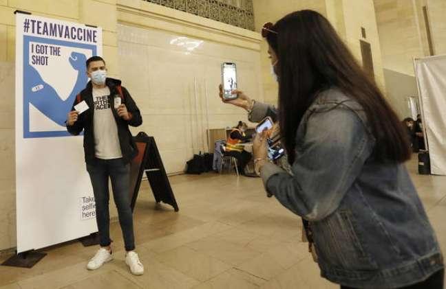 Nova York quer incentivar mais moradores a se vacinarem contra a Covid-19