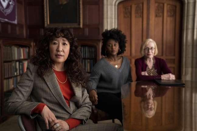 Sandra Oh interpreta a primeira mulher não-branca a se tornar chefe em uma grande universidade